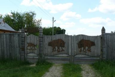 Надежные резные ворота